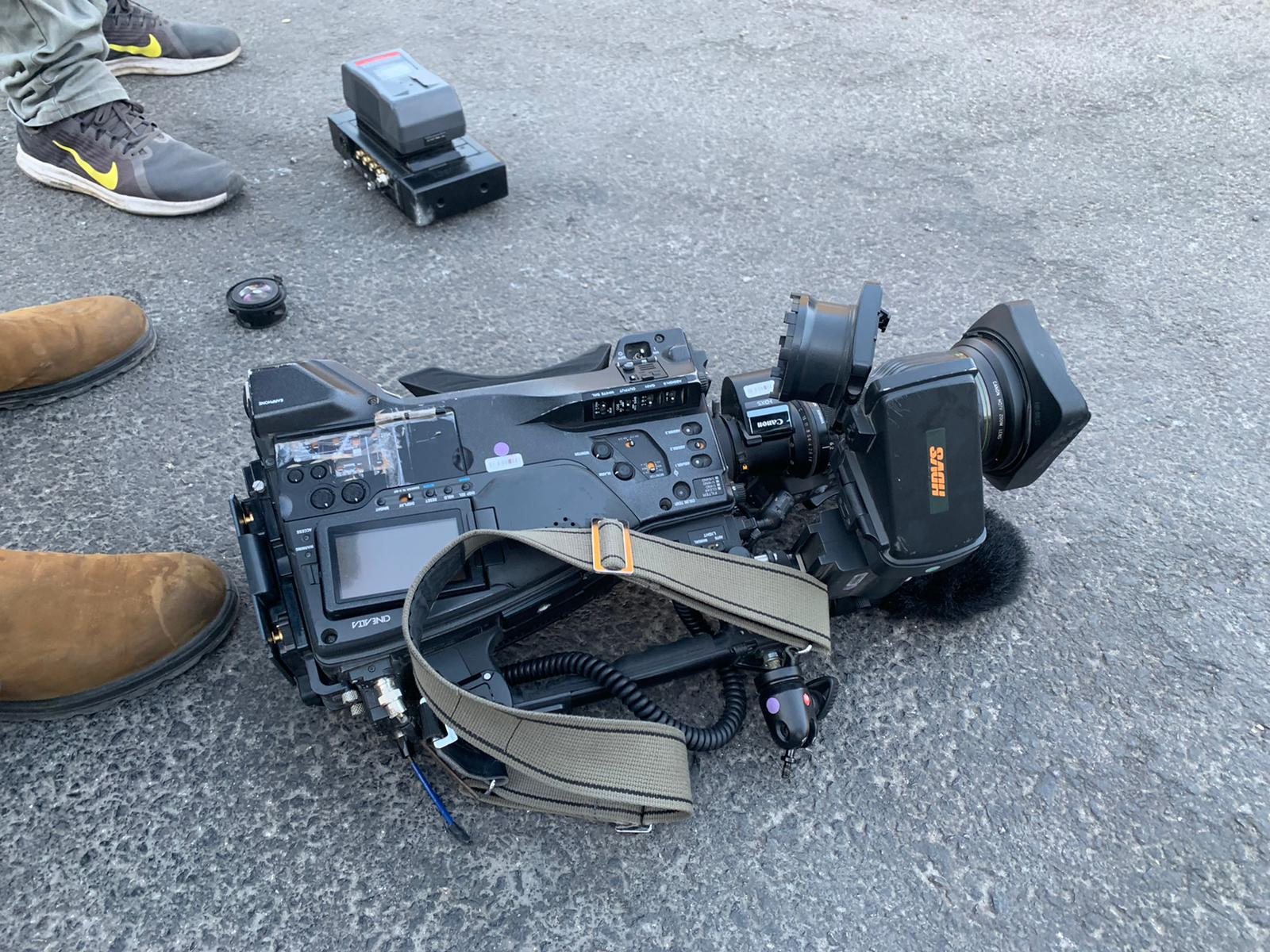 المطالبة بتشكيل لجنة تحقيق بالإعتداء على الصحافيين